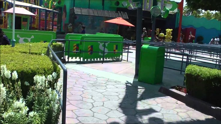Shrek 4-D at Universal Studios Hollywood (HD 1080p) — SKIP the LINES, with tips, apps and real tickets at http://www.undercovertourist.com