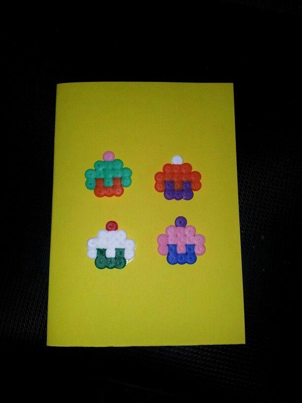 #homemade #card #cupcakes #hama #pearlbeads #perler #pearl #beads #pattern #hobby #craft #crafting #creation #creative