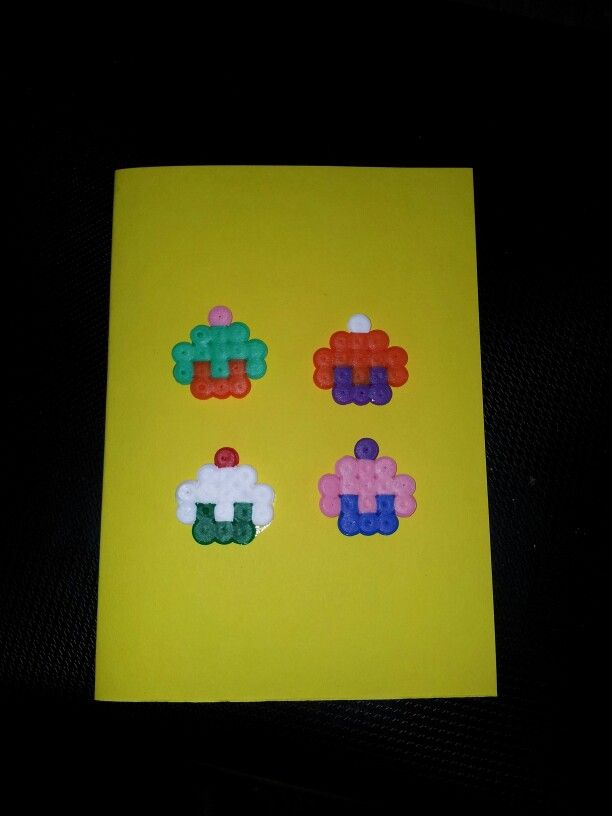 #homemade #card #cupcakes #hama #pearlbeads #perler #pearl #beads #pattern #hobby #craft #crafting #creation #creative