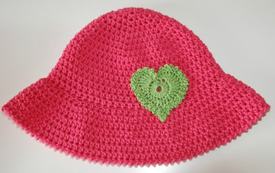 Chapéu em Croché com coração Cochet summer hat