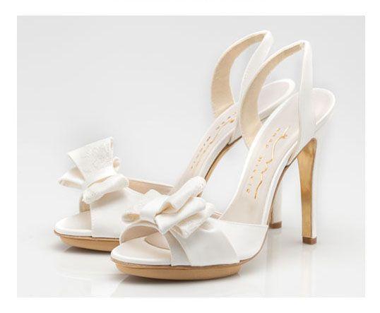 I sandali da sposa del 2015 tra colore, cristalli e creazioni ardite