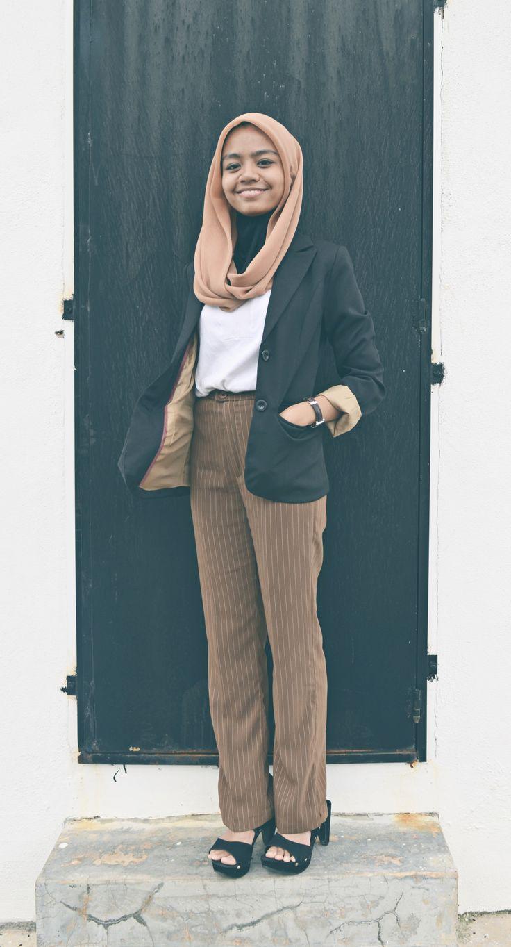Corporate attire for Hijabian. #hijab #woman #muslimah #covered #fun