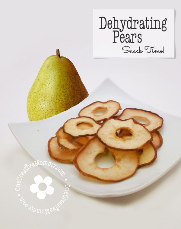Dehydrating Pears Tutorial from OneCreativeMommy.com {These taste so much like candy that I could eat them all day!}
