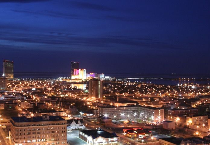 Регулятор Нью-Джерси рассматривает вопрос об открытии казино в Атлантик-Сити.  17 декабря комитеты обеих государственных законодательных палат одобрили резолюцию, предусматривающую внесение поправок в Конституцию штата Нью-Джерси, чтобы разрешить деятельнос�
