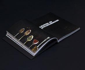 Spice Wise: kookboek eten zonder zout. In dit boek laat SVH Meesterkok Michel Hanssen stap voor stap zien hoe je magische kruidenmixen maakt en gebruikt. Hij deelt zijn beste kruiden- en specerijenmengsels met je en past ze toe in voor-, hoofd- en nagerechten, waarvan je ook de recepten aantreft. Verder biedt dit boek een schat aan weetjes, adviezen en tips.