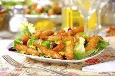 Salada de Folhas com Tilápia Empanada no Coco