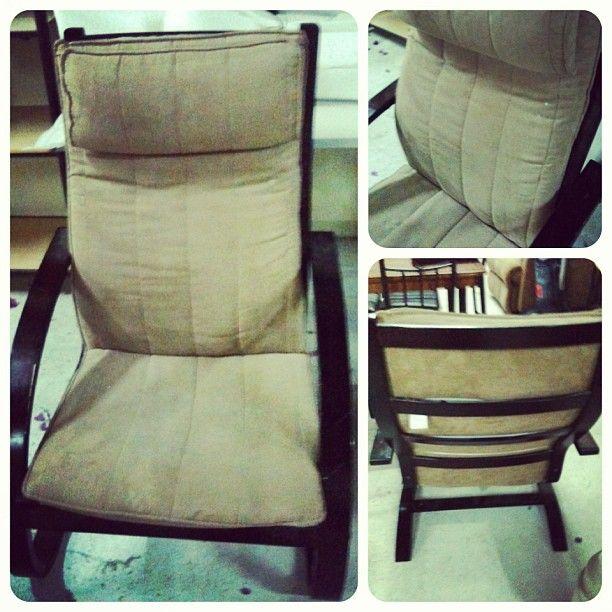 للبيع كرسي هزاز خشب بحالة ممتازة السعر 15 Bd Home Decor Furniture Decor