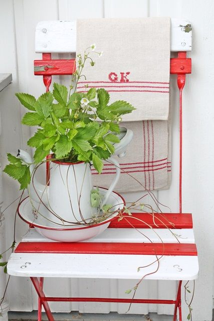 VIBEKE DESIGN-My french old chair,in lovely red and white :)