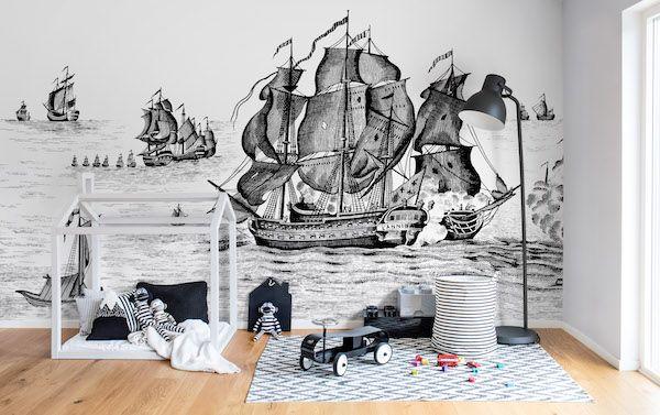 Behang van Rebel Walls #kinderkamer #schip #zwartwit #interieur