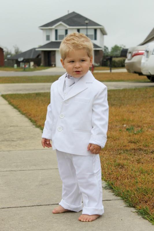 White suit for little boys, so sweet!