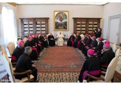 У понеділок, 22 травня 2017 р., Папа Франциск зустрівся з єпископами Ґватемали, які прибули до Ватикану з візитом «ad Limina». Головною темою їхньої розмови були виклики, що стоять перед ґватемальською Церквою в сучасному суспільстві. Про це розповів Голова місцевої Єпи