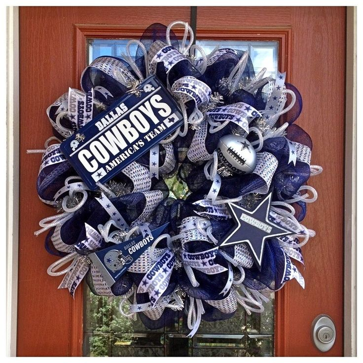 Cowboys Wreath- Crafts By Kristen Reyes (Facebook, Etsy)