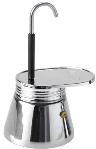 Für den täglichen Espresso-Bedarf leidenschaftlicher Kaffeegenießer wurde die GSI Outdoors Mini Espresso-Maschine entwickelt! Klein, kompakt, super robust und funktional kommt sie daher, in anderen Worten: Sie besteht aus Edelstahl, ist sehr handlich designt und brüht dir vier Tassen Espresso in Minutenschnelle. Und das geht so: Fülle bis zur markierten Stelle Wasser in den Hauptbehälter. In den integrierten Filter schüttest du zwei Teelöffel Kaffeepulver und schraubst den Filter sowie den…