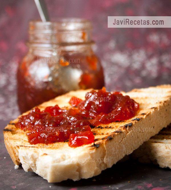 Ya terminó el verano pero aún hay buenos tomates. Así que aprovecha y prepara esta receta de Mermelada de Tomates. Está riquísima!!!  http://www.javirecetas.com/mermelada-de-tomate/