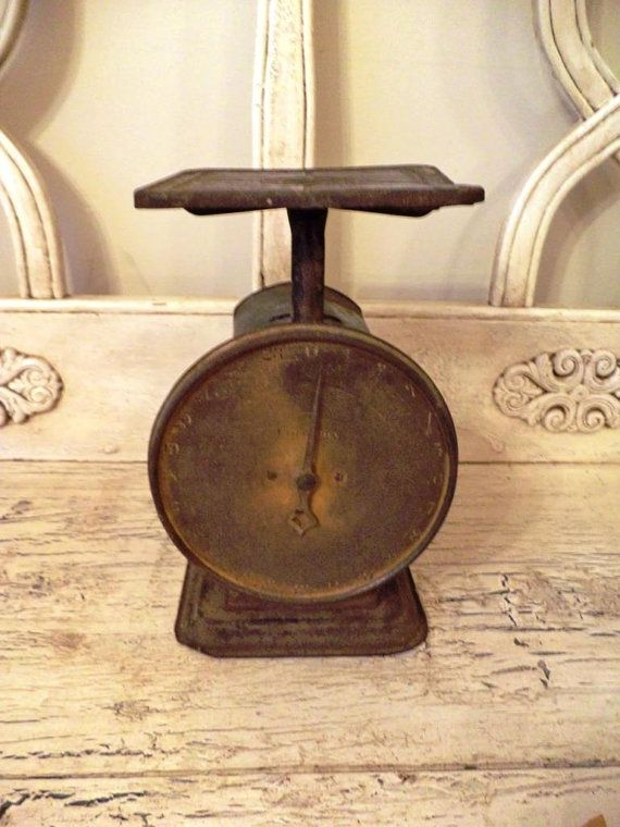 Vintage kitchen scale rustic rusty black and brown for Rustic kitchen scale