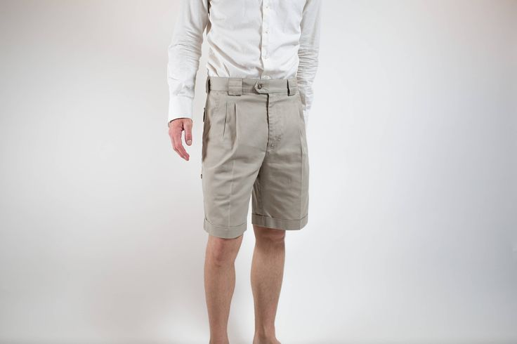 Vintage Safari Shorts / 80's Tiley Endurables Durable Outdoor Hiking Shorts / Beige Cargo Shorts  / Mens 32-34 Wasit Size / Made in Canada by PrincipalVintage on Etsy