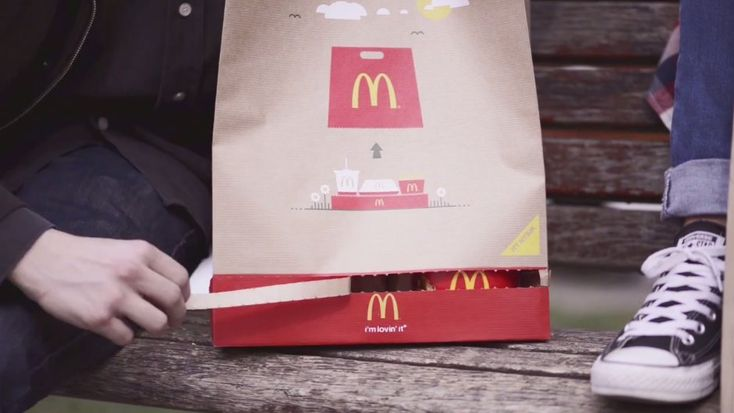 A bag that turns into a fast food tray in an instant. (Source: McDonald's Hungary and ad agency DDB Budapest)