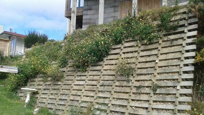 Capital Retaining Walls Established with over 30 years experience, you know we will have your job done right the first time. All our work comes with 100% satisfaction guaranteed. Capital Retaining Walls are specialists in a range of services from Retaining walls to Concrete paths and Driveways.
