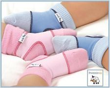 A great way to keep your baby's socks and booties on.  Two sizes available - 0-6 months and 6-12 months.  http://premmieto2.com.au/product-category/0-2-years/sock-ons/