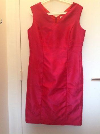 Je viens de mettre en vente cet article  : Tailleur robe Un Jour Ailleurs 48,00…