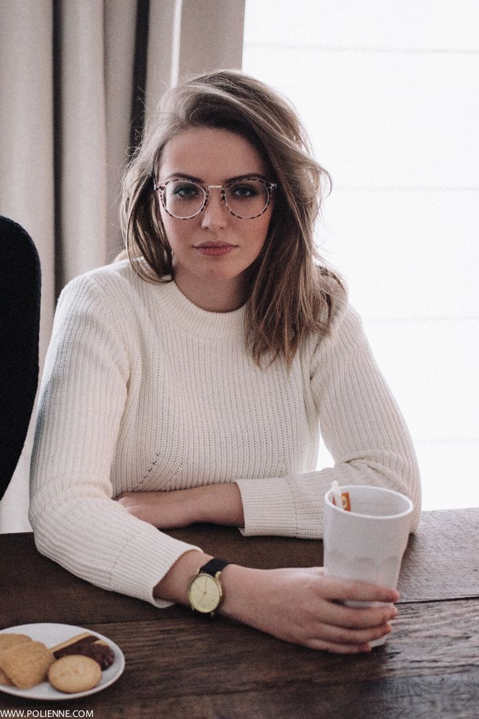 fashion, white jumper, style, glasses, midi hair, simple, casual, comfy, winter, spring