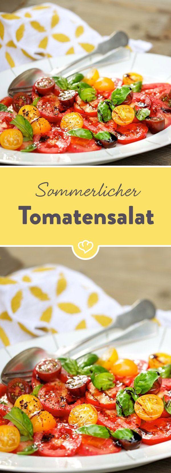 Hol dir den Sommer auf die Teller! Einem bunten Tomatensalat kann keiner widerstehen. Weiß auch Frau Zii und teilt hier ihr Rezept mit dir.