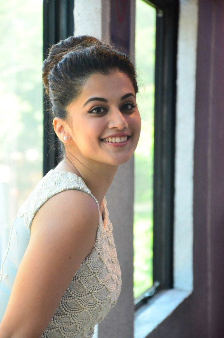 taapsee pannu latest hd wallpapers