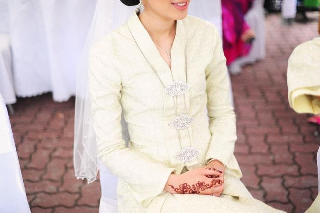 White songket.perfect combination of classic and vintage. :)