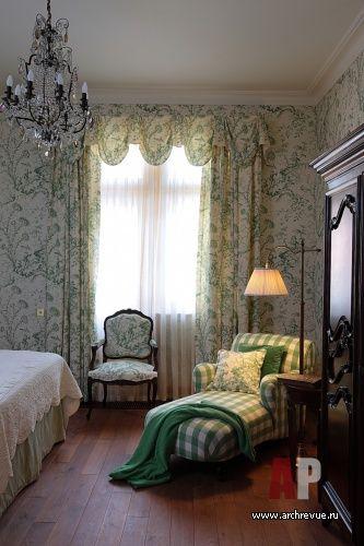 Фото интерьера гостевой деревянного дома в английском стиле