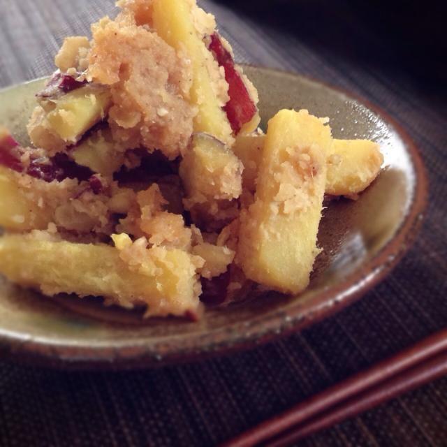(核桃味噌拌地瓜)  ゆぅみんちゃんが作ってたのに刺激されて私も作りました〜 これホントに美味しい〜❗ 昔懐かしい感じのお味です  本当は胡桃を使うのですが、今ウチに大量にあるマカダミアナッツを代わりに使いました。個人的には胡桃大好きなんですけど、夫がコストコでマカダミアナッツ買っちゃったので…  でも美味しかったですよ。  喰いしんぼう豚さん、美味しいレシピをありがとうございます❗ ゆぅみんちゃんも紹介してくれてありがとう〜 - 188件のもぐもぐ - 喰いしんぼう豚さんの料理 さつまいものクルミ味噌よごし by machimachicco