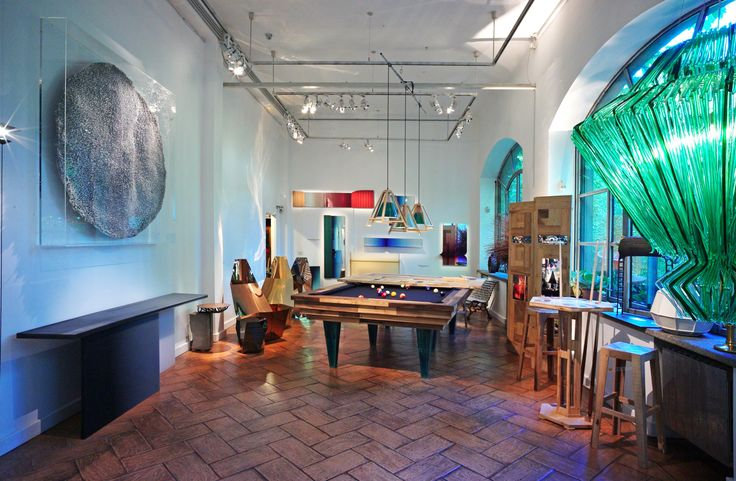 Hillesideout at Rossana Orlandi #rossana_orlandi #rossanaorlandi #design #gallery #milano #italy #store #spazio #home #decor #unique #hillesideout #pool #table