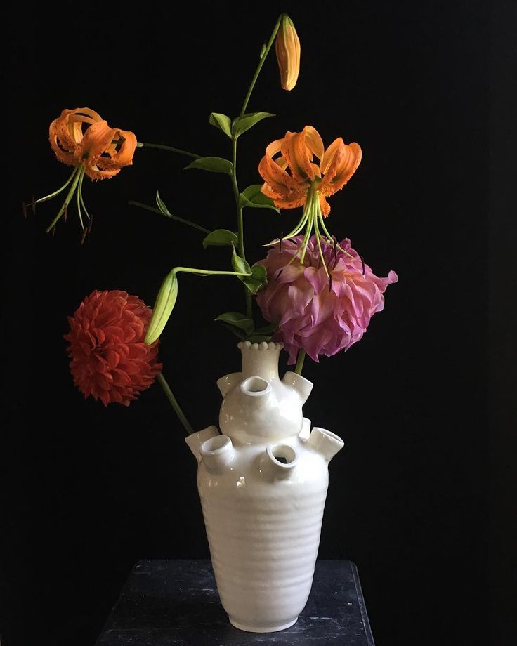 Tulipiere from early August. #dahlia #flowers #lily #pottery