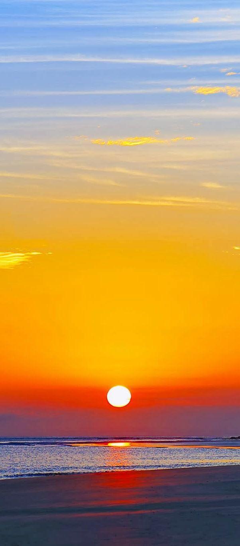 Pôr-do-sol na ilha de mel -  Paraná -  Brasil                                                                                                                                                     Mais