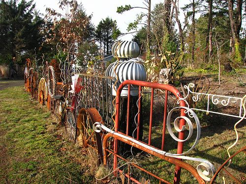 Found scrap metal as fencing creative ideas pinterest for Garden fence features
