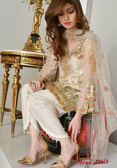 Gehe.. Love the salwar design