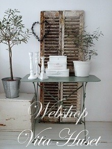 Welkom | vitahusetBrocante Spullen, Decor Ideas, Shabby Chic, Vintage Shutters, Inspiration Pictures, Vintage Homes, Vintage Home Decor, Heart Decor, White Room