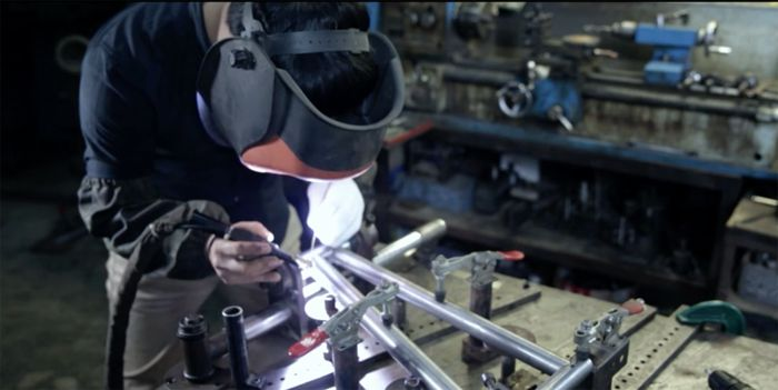 How a BMX Frame Is Made  VIDEO: http://bmxunion.com/daily/far-east-cycles-how-a-bmx-frame-is-made/  #bmx #bike #bicycle #frame #weld #manufacturing #china #style #design