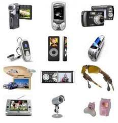 Tranzystory mają różne zastosowania. Możemy je spotkać w telefonach, kamerach, aparatach, komputerach itp.