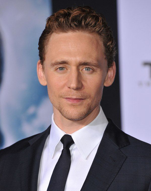 Tom Hiddleston Height, Weight, Biceps Size and Body Measurements