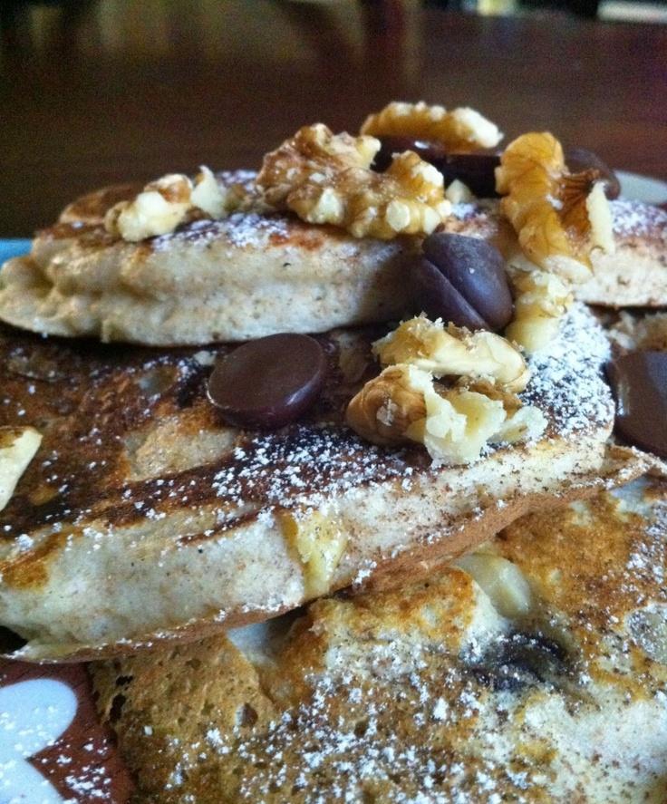 Chocolate Chip Walnut PancakesDelicious Chocolates, Breakfast Brunches, Yogurt Chocolates, Chocolate Chips, Chips Walnut, Pancakes Without Syrup, Add Bananas, Walnut Pancakes, Chocolates Chips Pancakes