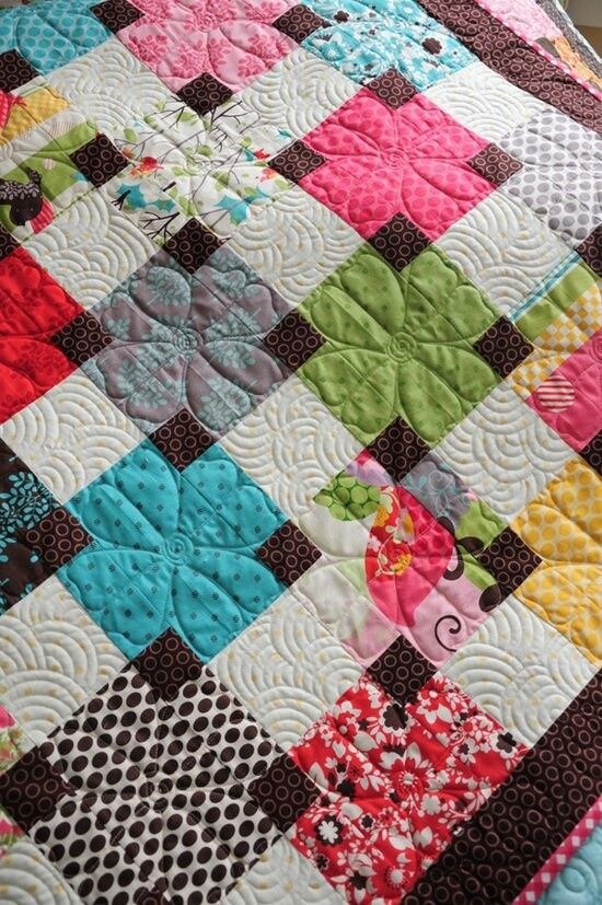 Overlapping squares quilt