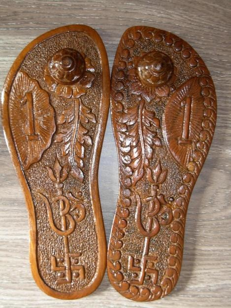 Sag Wood PadukaWe manufacture & export superior quality of Sag Wood Paduka. These Padukas can also be worn by person in temple or other religious places, but once worn these are not suitable for puja purposes.www.indianyellowpages.com/lgmistrysons    Mr. D.L.Mistry  (M) 09974902744.