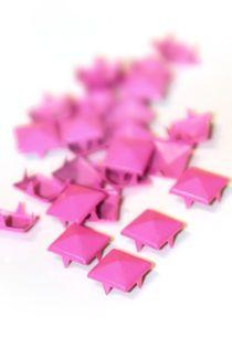 Pinkit 12mm Pyramidi-irtoniitit 25kpl
