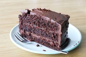 De man en de vrouw komen tot het besef dat ze de liefde moeten voeden. Ze kopen of maken elkaar een chocoladetaart om te tonen dat ze zich voor elkaar willen inzetten en weer tijd willen vrijmaken voor elkaar. Ze laten elkaar proeven en maken er een gezellige avond van. Dit is de eerste stap naar de langdurige liefde. Ze voeden zo de liefde letterlijk en figuurlijk.
