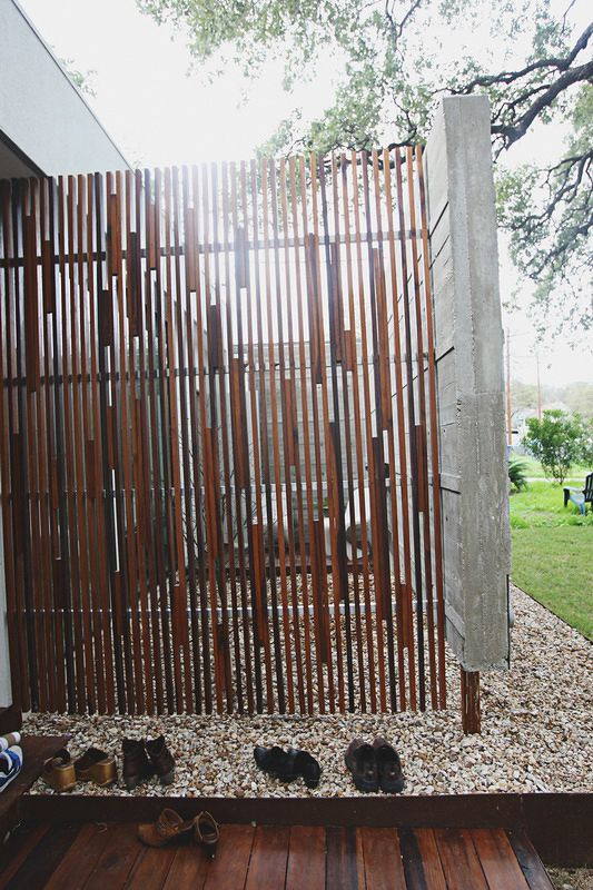 vertical wood privacy screen