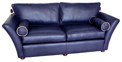 Das elegante Knoll De Luxe 3 Sofa. Ideales Liegesofa, inspiriert vom Knole Sofa mit den klappbaren Armlehnen.