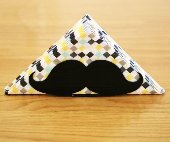 Quer ser hipster na decoração? Use bigodes