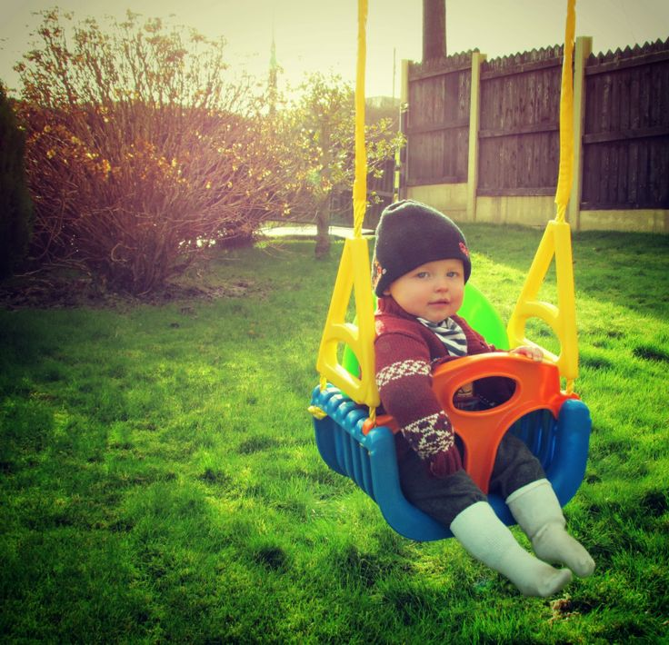 It's day 33 of my #Project365 http://www.dollydowsie.com/2014/02/project365-picture-number-33-swinging.html