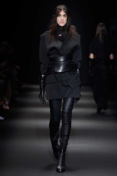 See the complete Ann Demeulemeester Fall 2015 Ready-to-Wear collection.