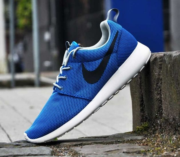nike roshe black blue
